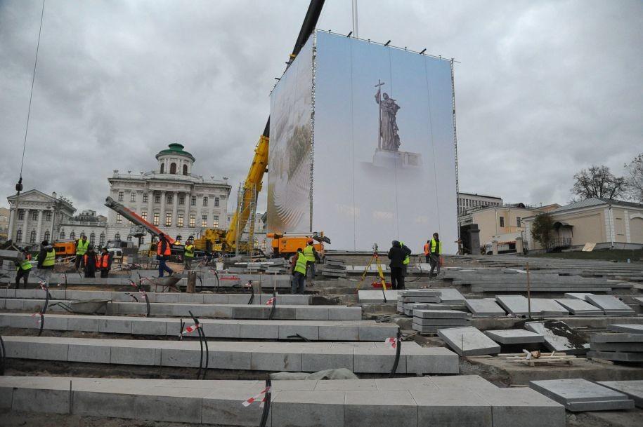 Установка памятника князю Владимиру (ФОТО)