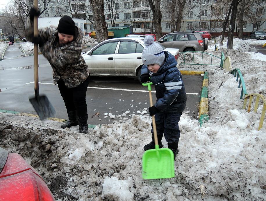 МОСКВА ПРИСТУПИЛА К ГЕНЕРАЛЬНОЙ УБОРКЕ