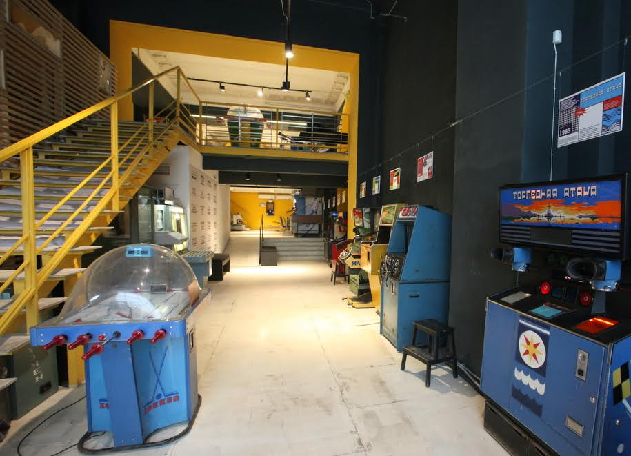Советские игровые автоматы на первом этаже музея