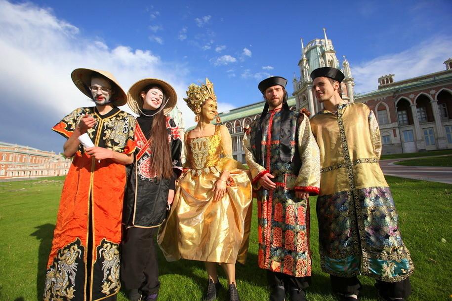 Времена и Эпохи: Екатерининская карусель в Царицыно