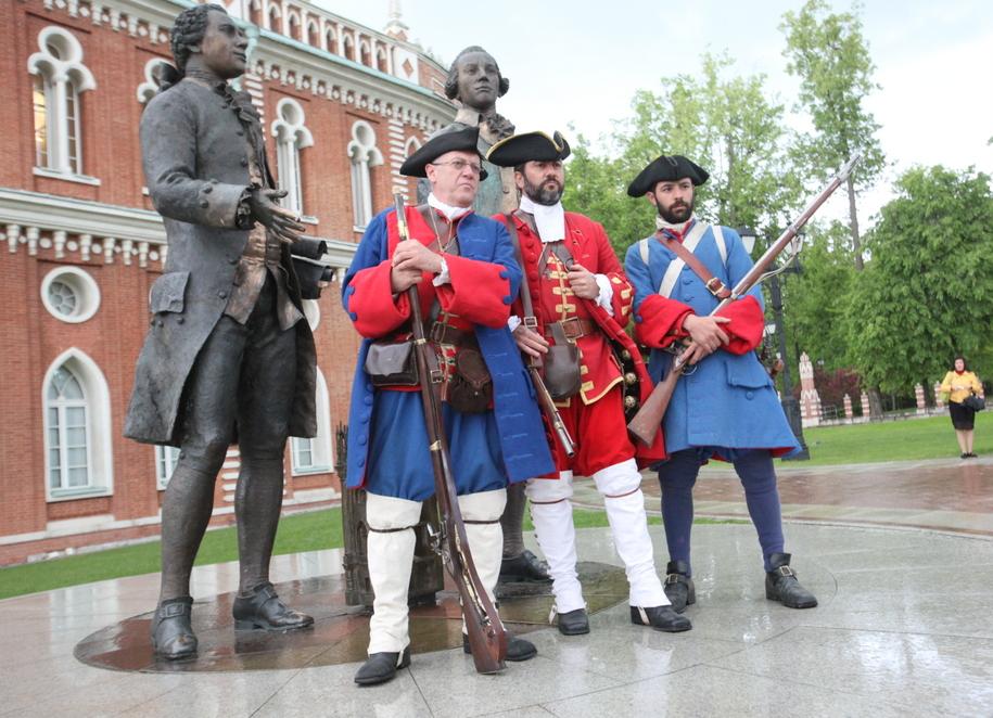 Участники фестиваля Времена и эпохи в Царицыно