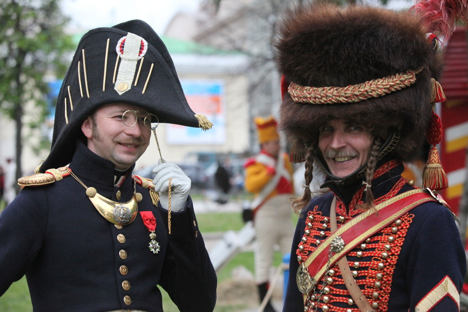 Участники фестиваля Времена и эпохи в военной форме