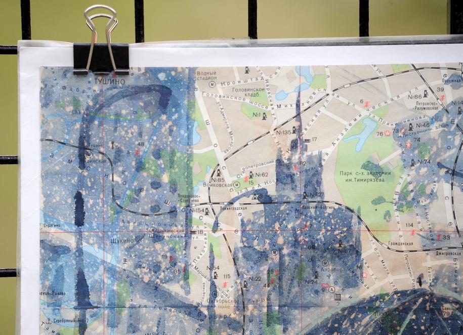 Рисунок Славы Грунцова на старой карте Москвы