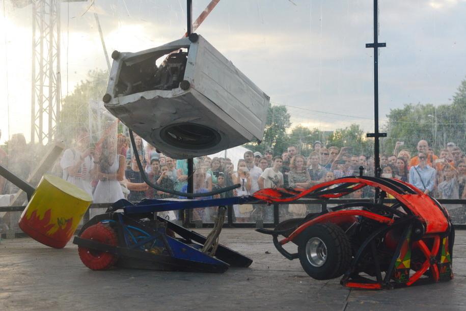 Роботы на фестивале в Коломенском