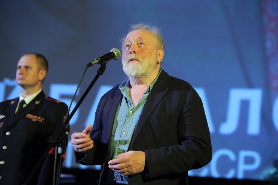 Режиссер Юрий Норштейн на церемонии прощания с Алексеем Баталовым