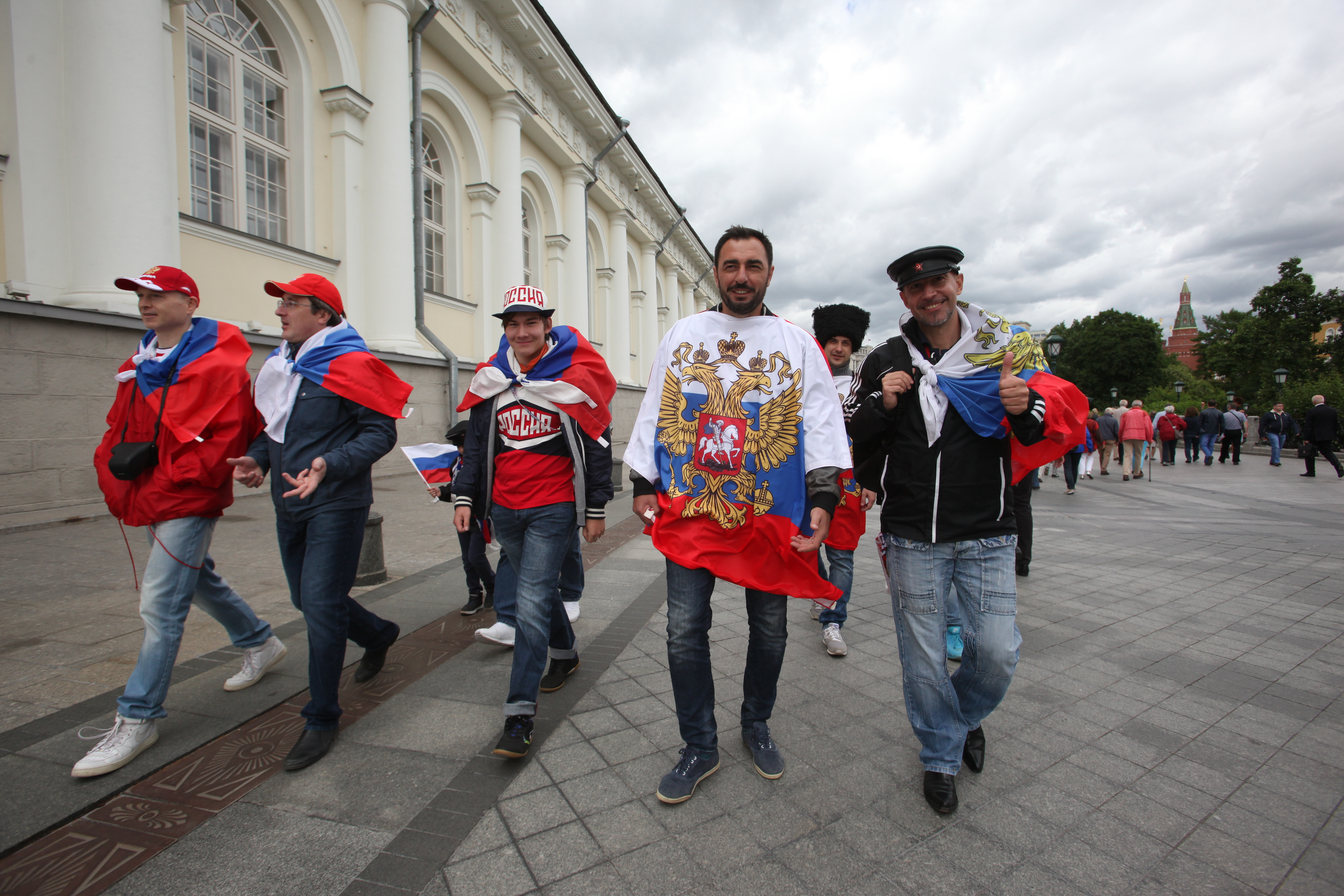 Российские болельщики на Манежной площади