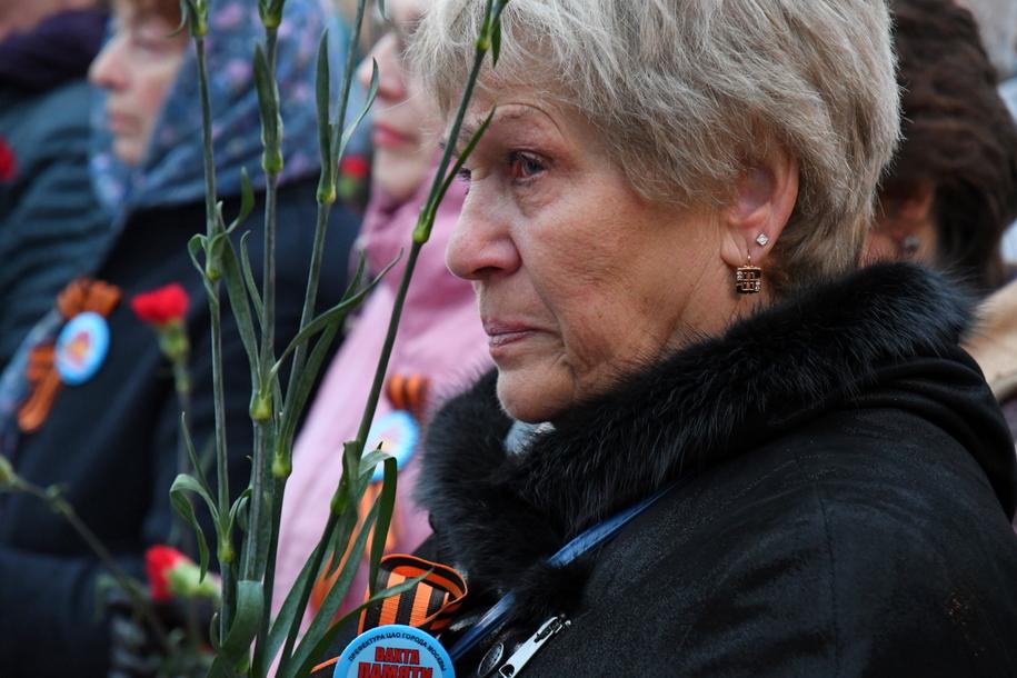 Участница Вахты памяти в Александровском саду