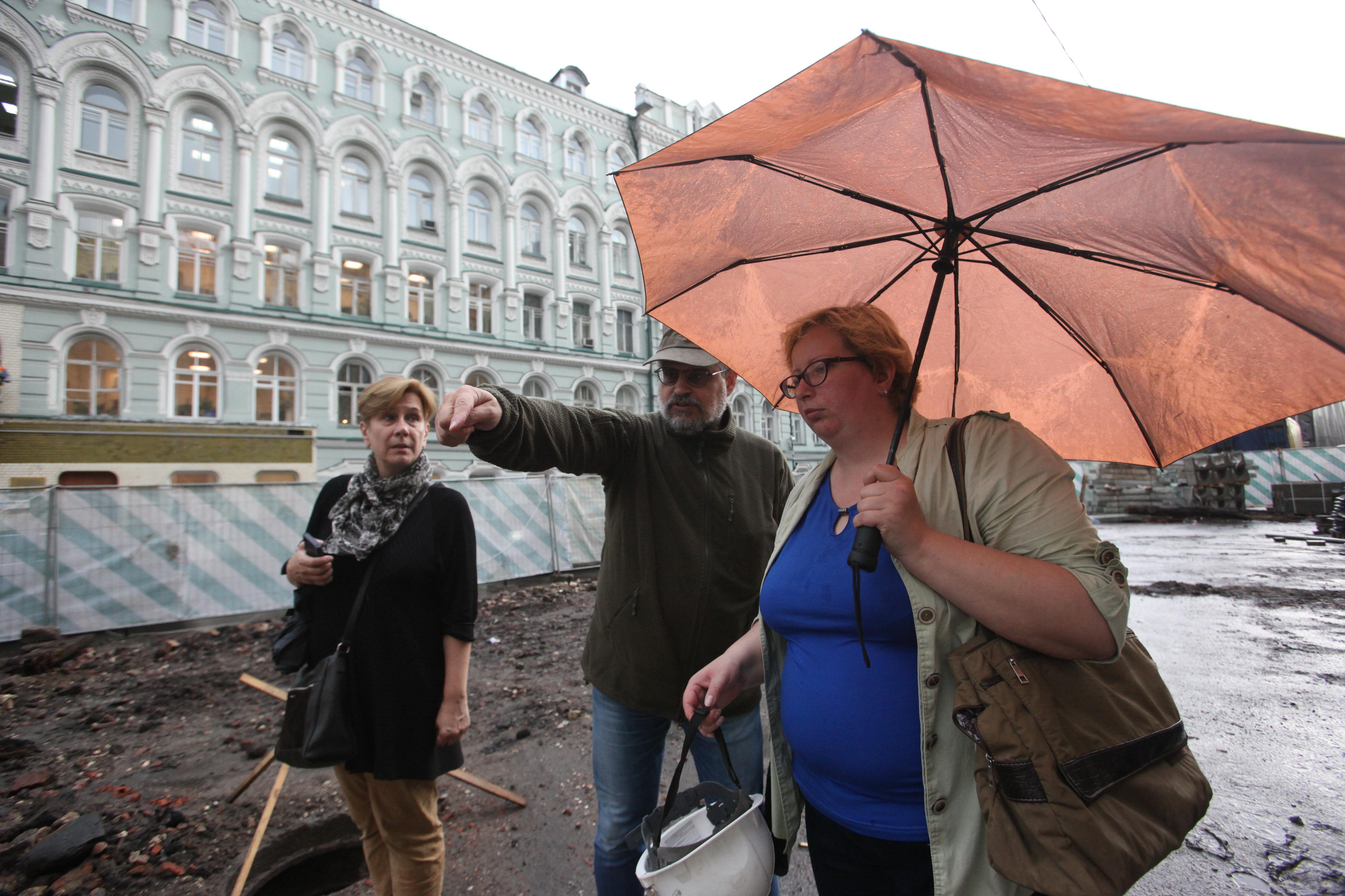 Археологи на биржевой площади в Москве