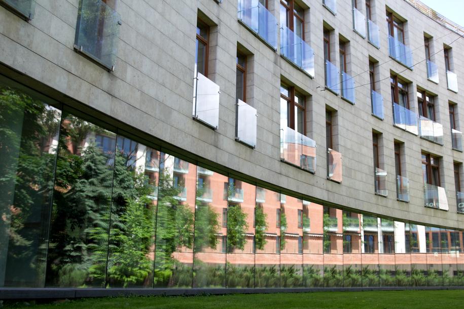 Фасад одного из домов на Остоженке