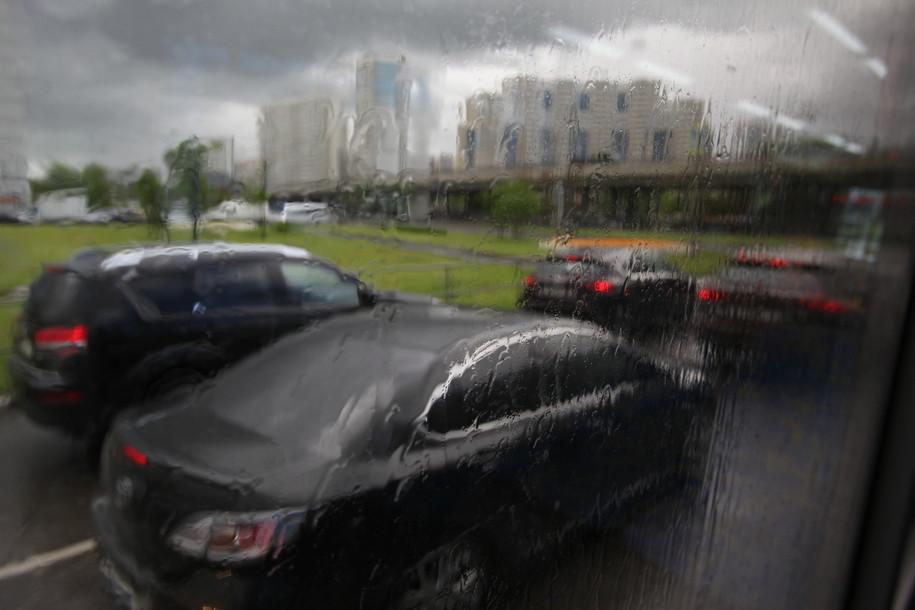 На Москву надвигается грозовой шторм