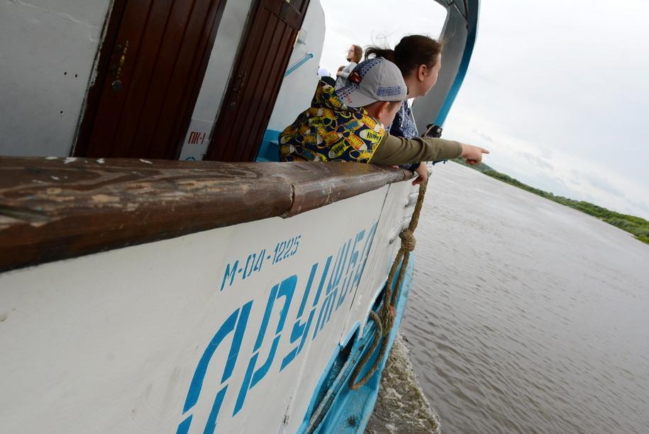 Пассажиры катера Дружба