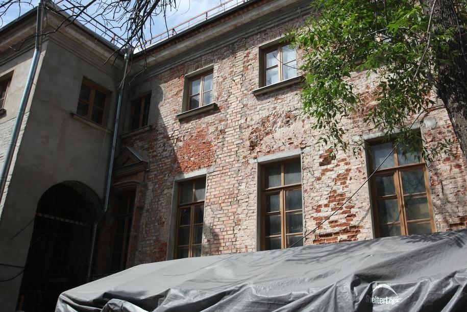 Стена дома Веневитиновых в Кривоколенном переулке