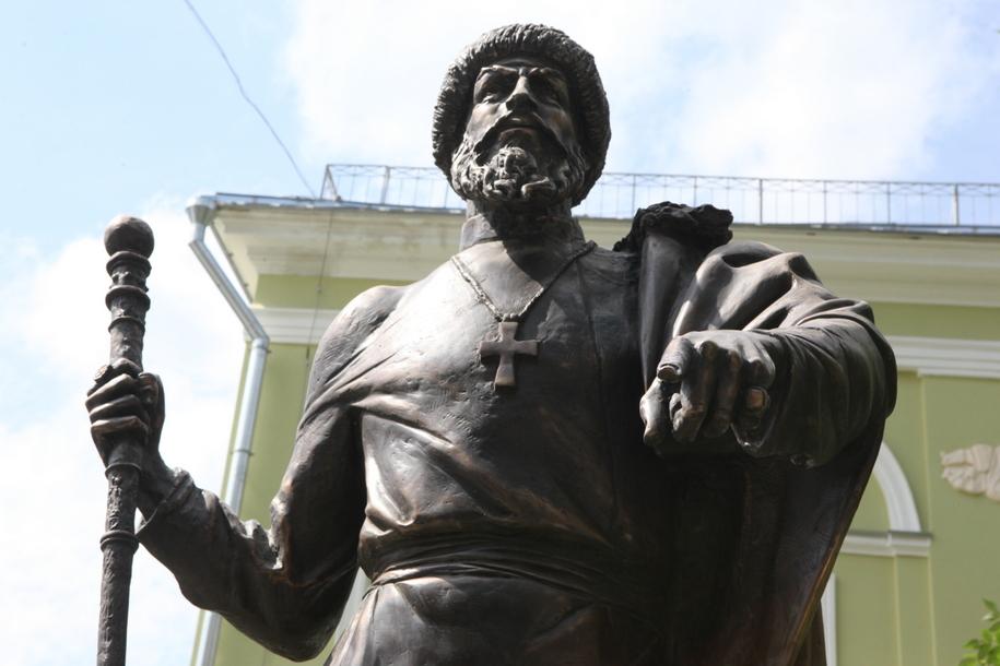 Памятник Ивану Грозному в Петроверигском переулке