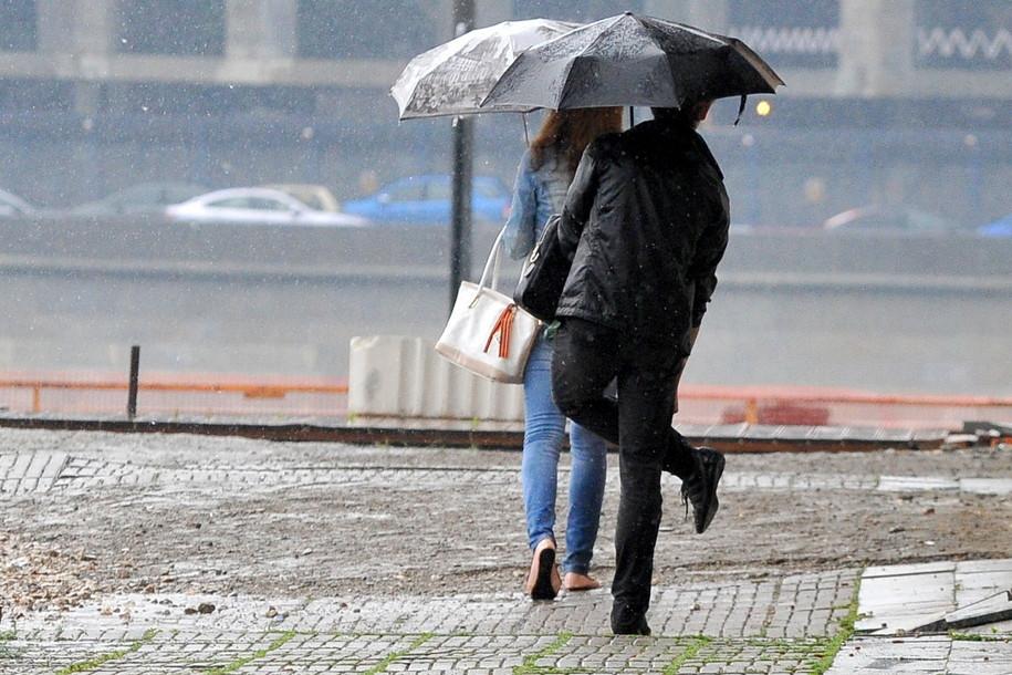 Синоптики прогнозируют ливневый дождь и ветер