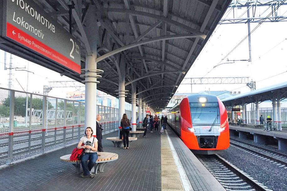 На станциях МЦК пассажирам раздают питьевую воду