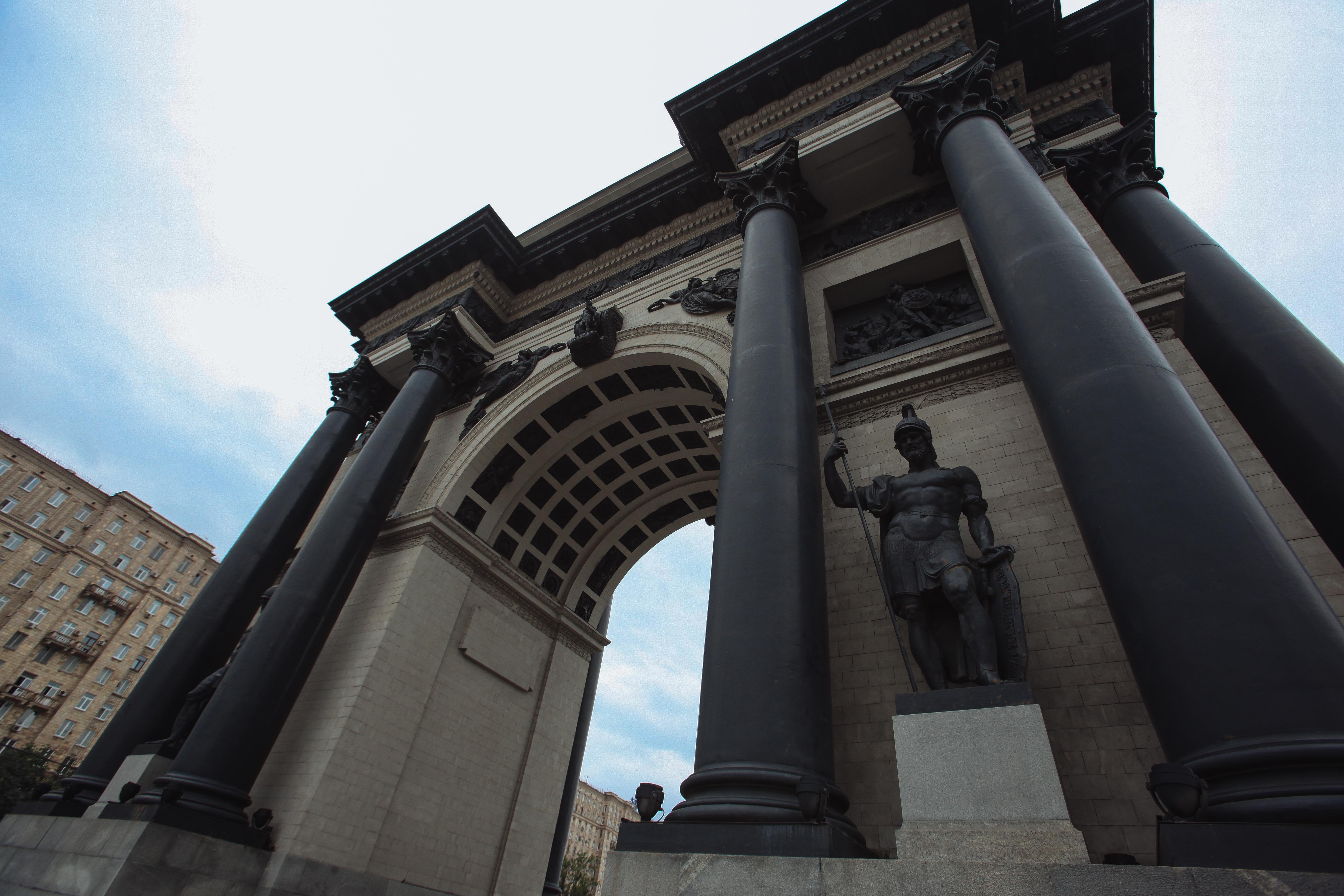 Фрагмент Триумфальной арки на Кутузовском проспекте