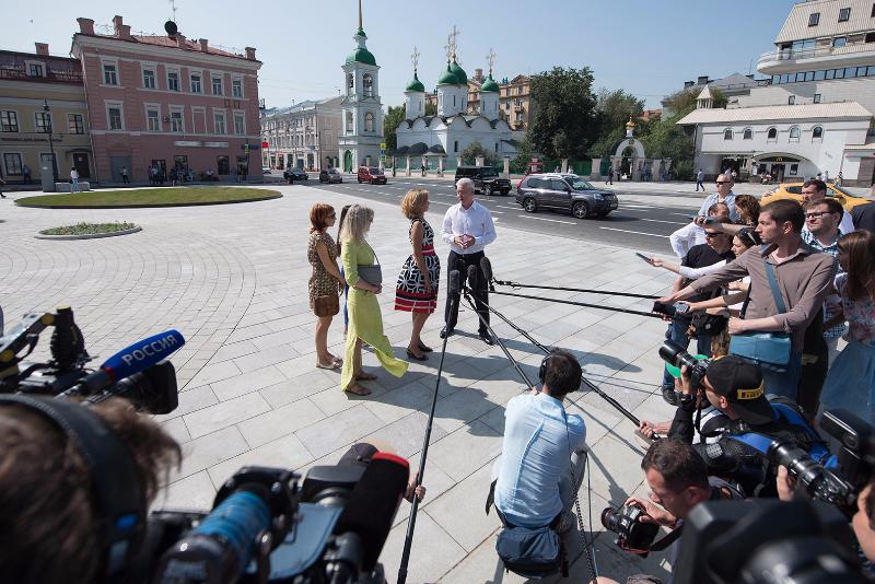 Мэр Москвы Собянин на Сретенке после реконструкции