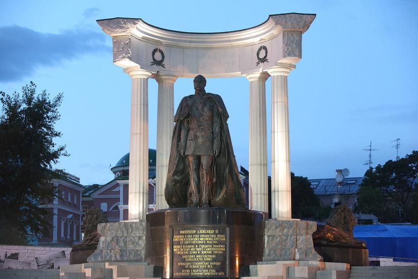 Утраченный памятник царю-освободителю