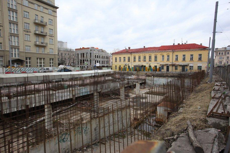 Хохловская площадь в начале реконструкции