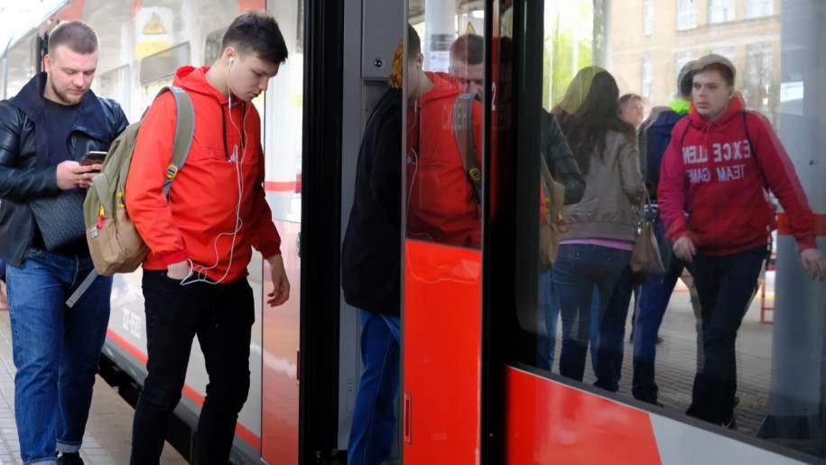 Поезд с QR-кодами запустили на МЦК