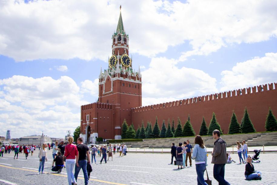 В Москве приняли в пионеры три тысячи школьников