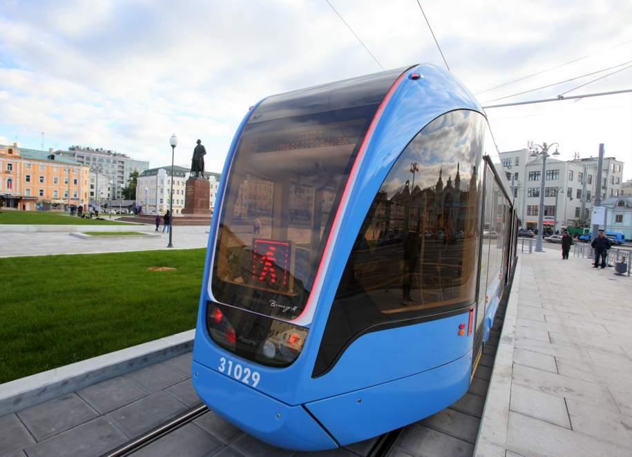 Сто «Витязей» поступили в трамвайный парк Москвы