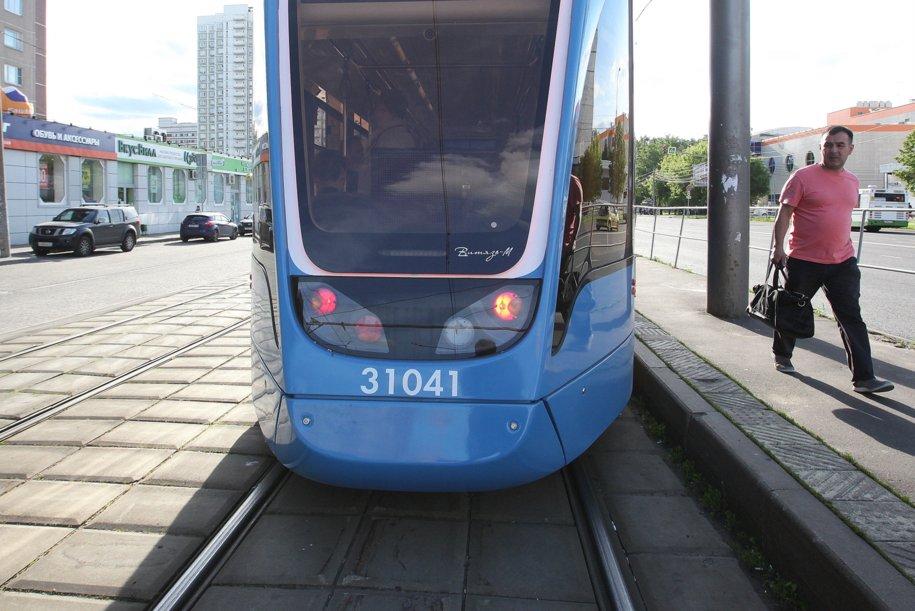 Отделение трамвайных путей на улице Свободы завершено