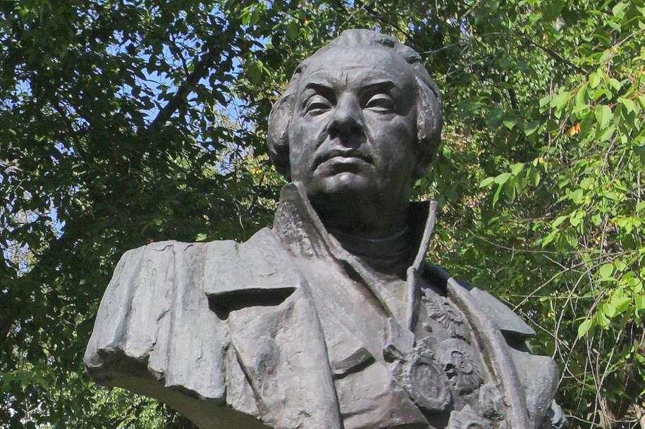 Памятники Чайковскому, Данте и Кутузову отреставрируют