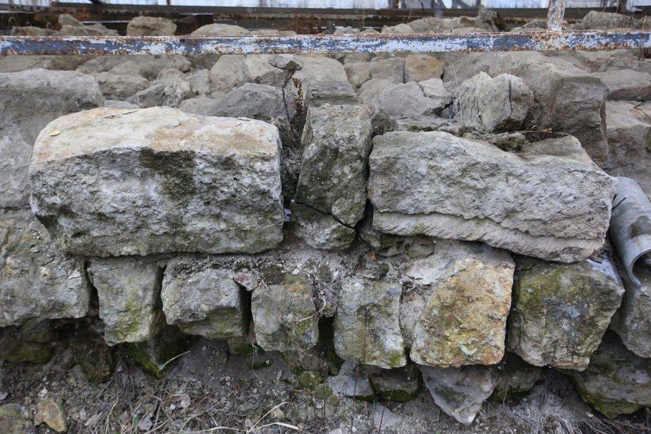 Фрагмент фундамента стены Белого города