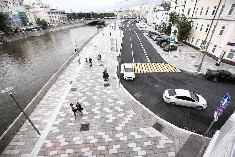 На Малой Бронной ограничили движение автотранспортов до 20 км/ч