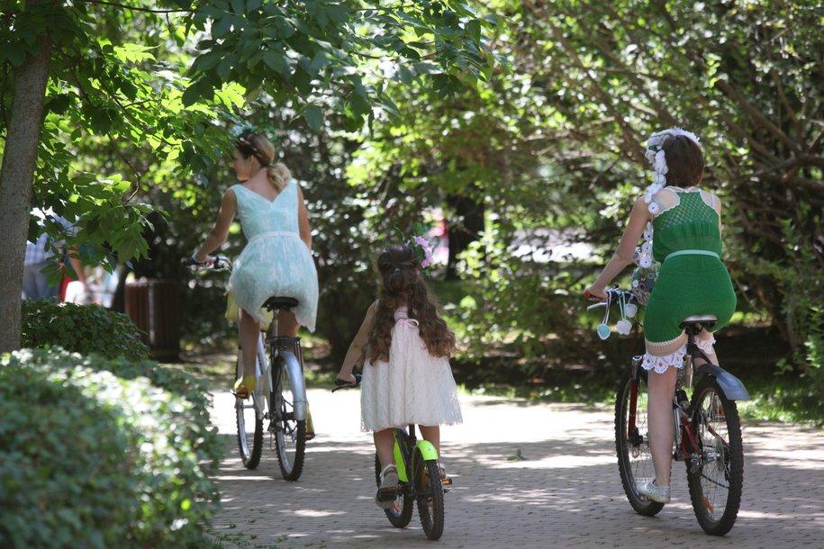 Участницы велопарада Леди на велосипеде