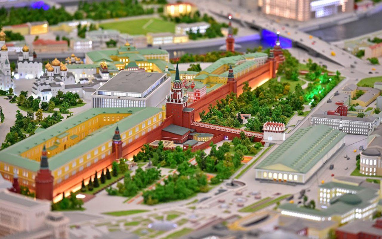 Мэр представил новый макет Москвы на ВДНХ