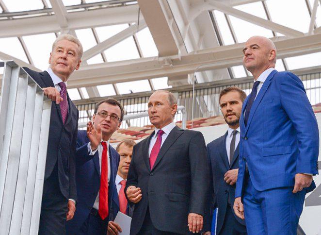 Мэр Москвы представил обновленные «Лужники» Владимиру Путину