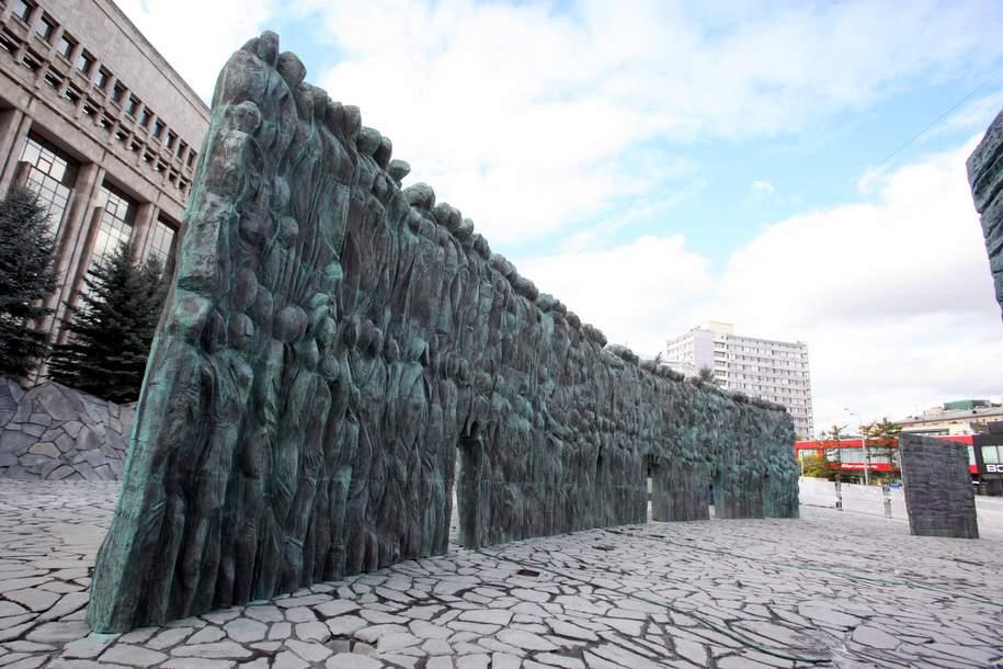 Мемориал «Стена скорби» открылся сегодня в столице
