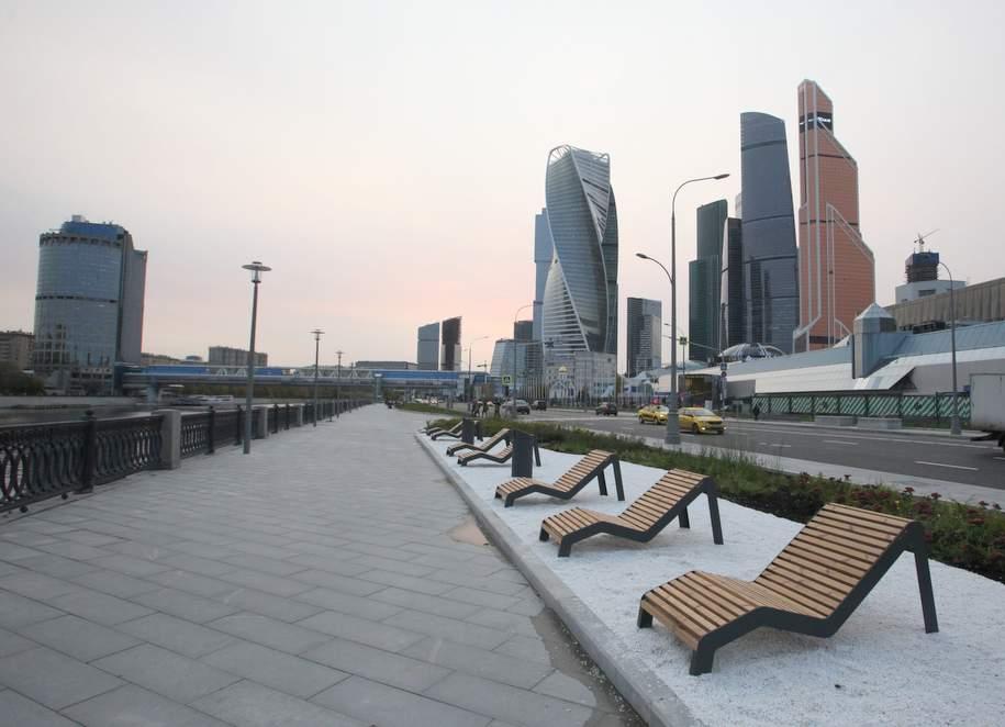 На фасадах зданий в центре Москвы покажут праздничные видеоролики в честь Дня России