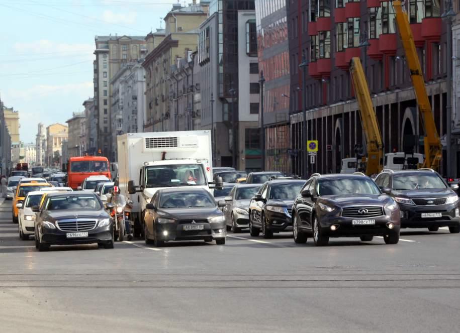 Автомобилистам раздадут листовки об изменении движения метро