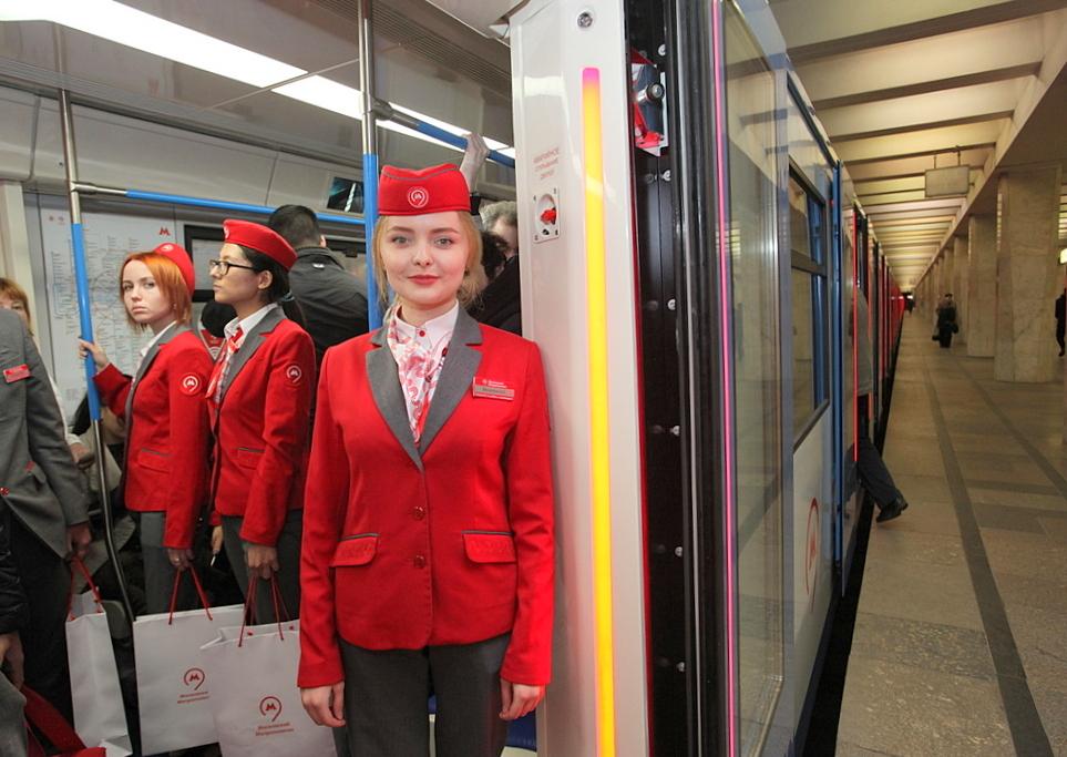 Кассиров в метро оденут в новую форму