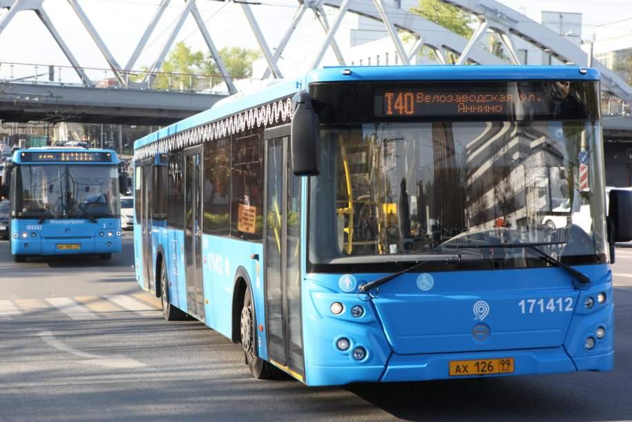 «Мосгортранс» закупит почти 600 низкопольных автобусов