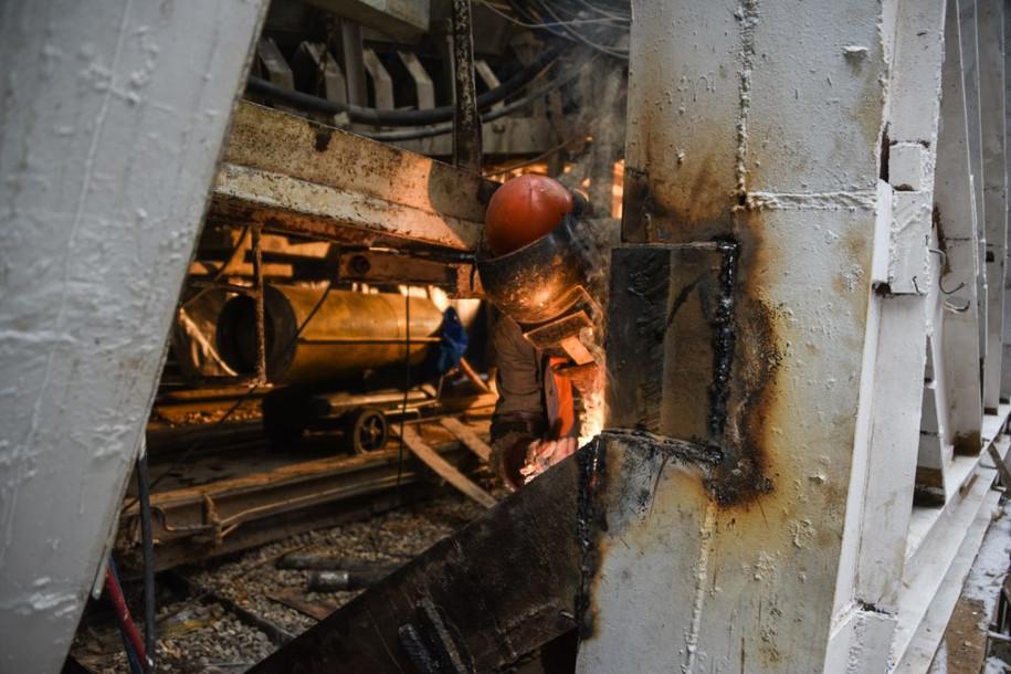 Более тысячи рабочих ремонтируют «зеленую» ветку метро