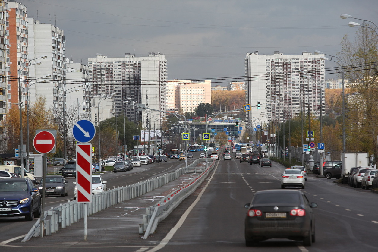 У станции МЦК «Окружная» сделали регулируемый пешеходный переход