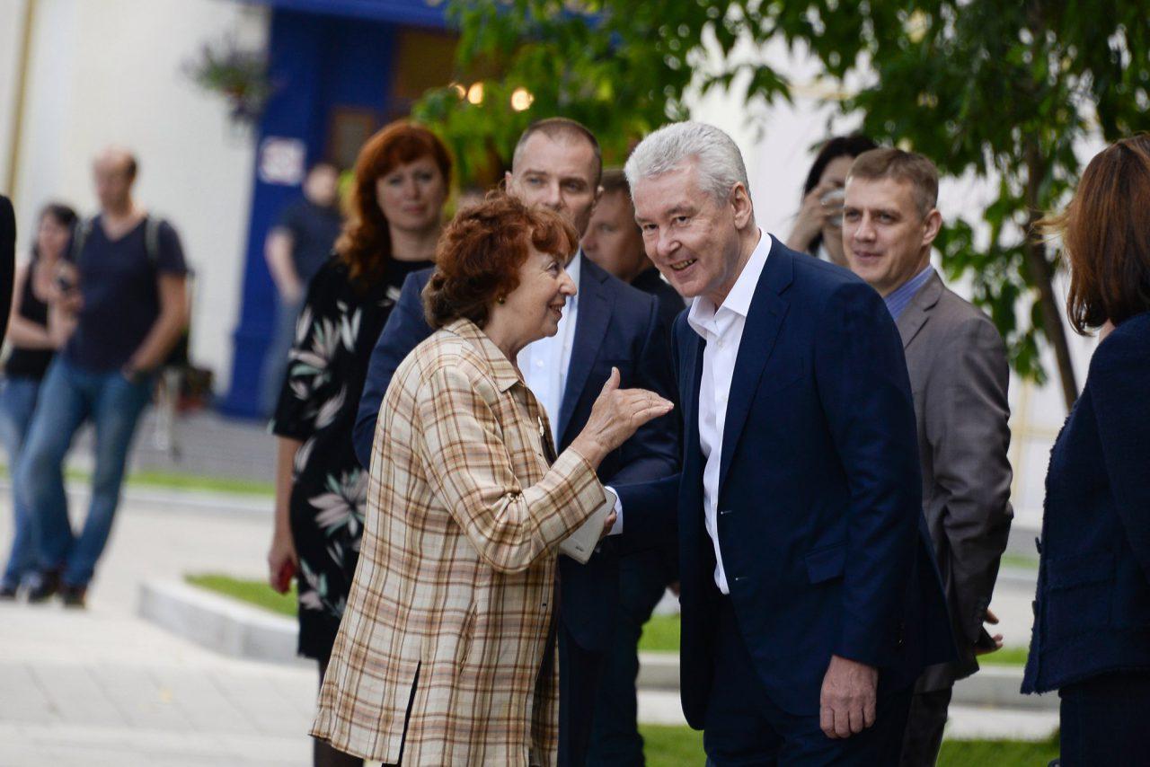 Mэр Москвы поздравил педагогов с Днем учителя