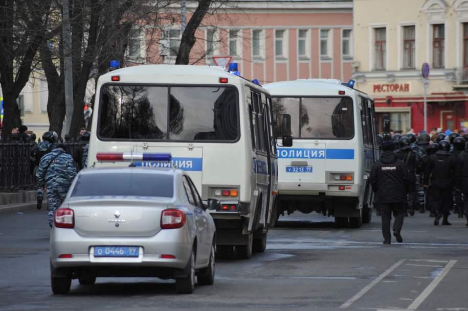 Полиция отчиталась о задержании 300 человек в центре Москвы