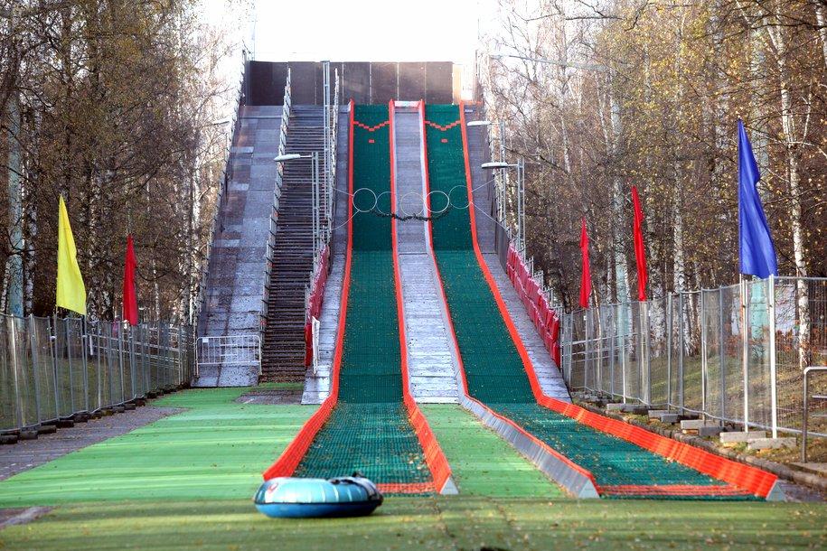 В парках Москвы появятся нетающие лыжни и тюбинговые горки