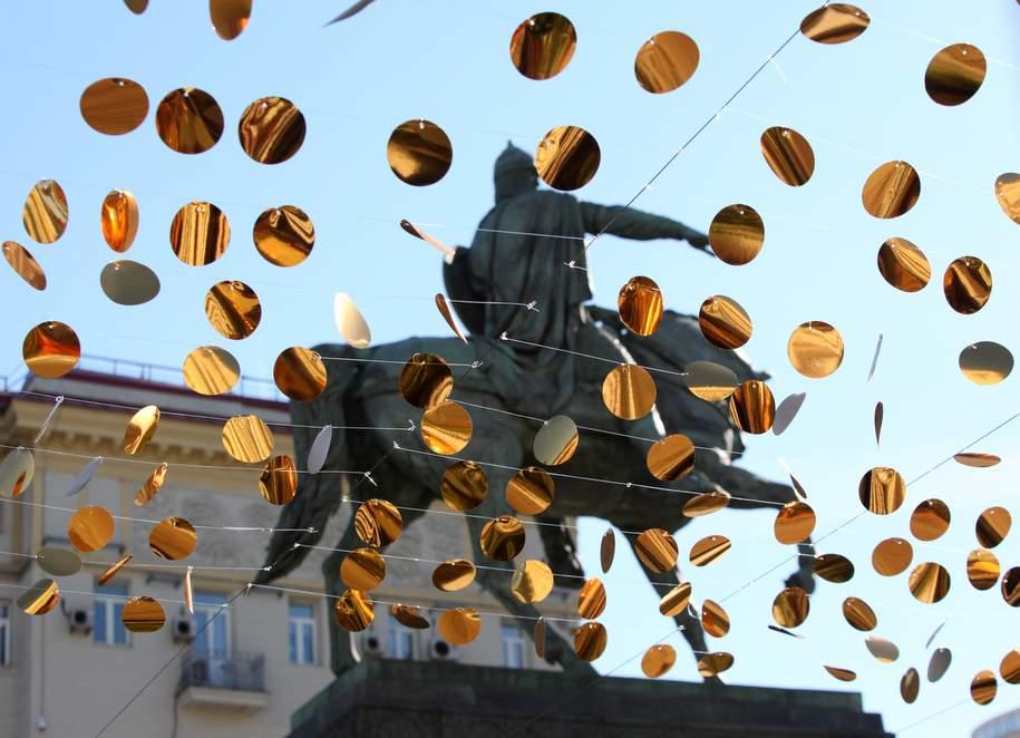 На центральных улицах Москвы установят световые инсталляции