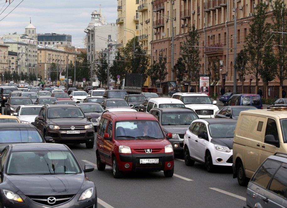 Москвичам советуют не спешить с переходом на летнюю резину