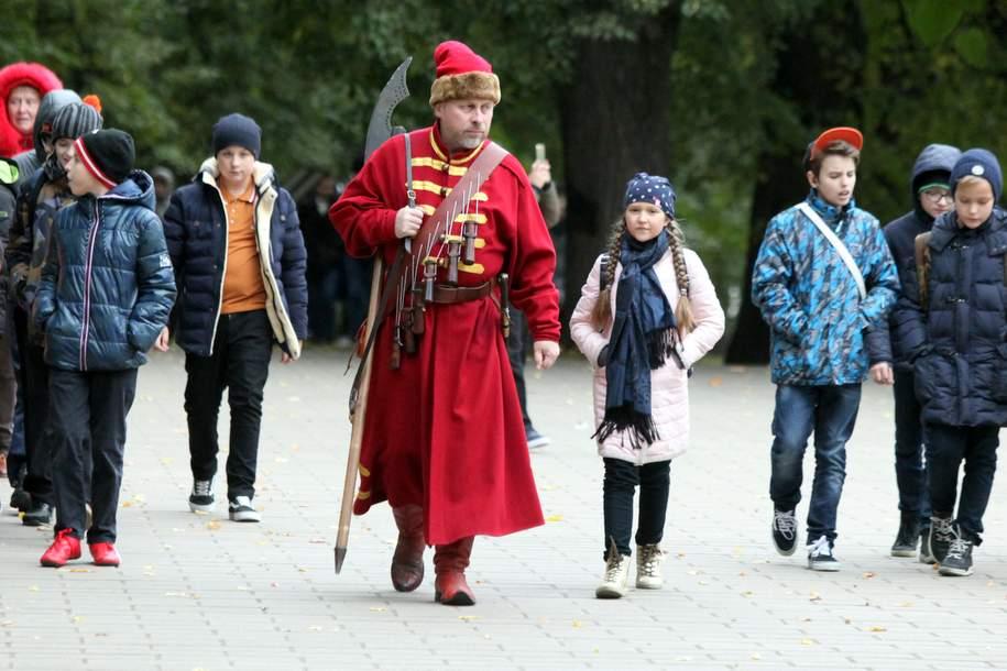 В столицеРФ День народного единства отметят исторической реконструкцией парке «Зарядье»