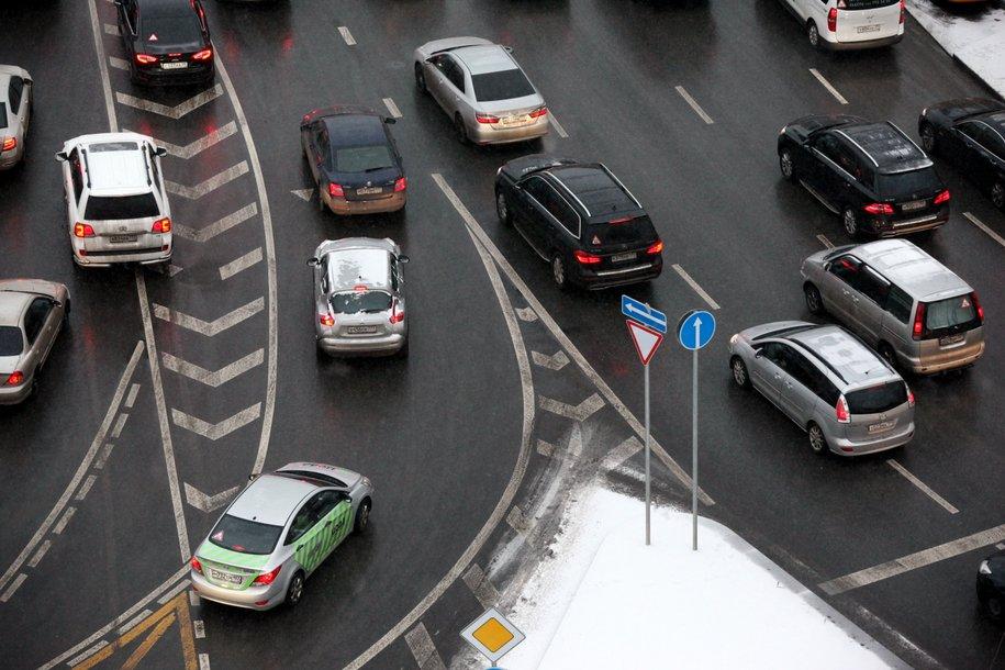 В результате ДТП на юге Москвы пострадали два человека
