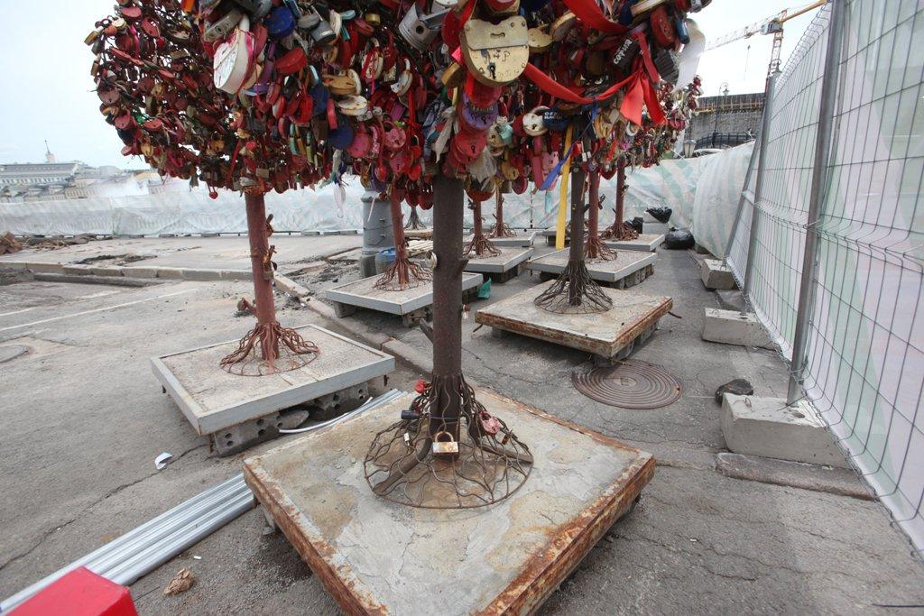 В Москве высадили около трех тысяч деревьев