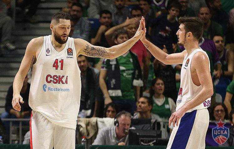 Баскетболисты московского ЦСКА вновь победили испанцев в Евролиге
