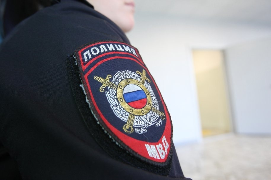 При задержании преступника участковый применил табельное оружие